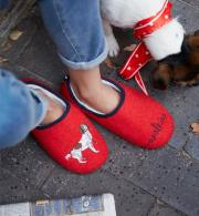 Joules-Slippet-Slip-On-Felt-Mule-Red-Walkies-model-front