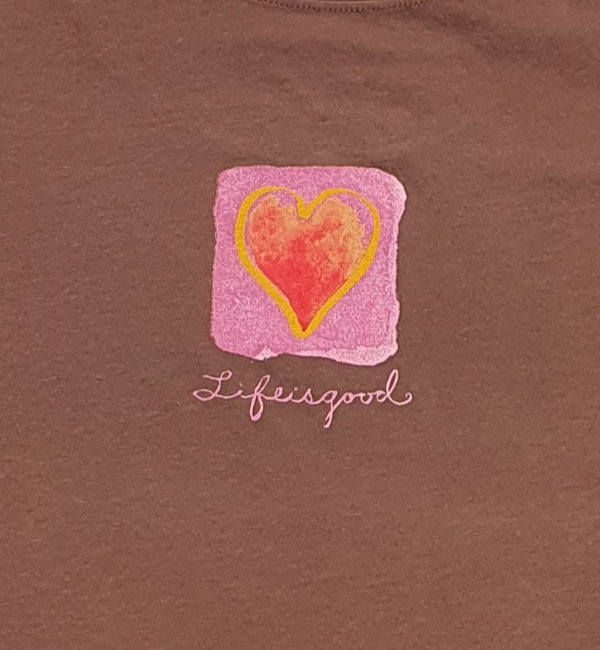 Life is Good 11977 Creamy T Watercolour Heart Brown Detail